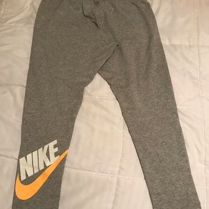 Brand New Women's Nike tights XL